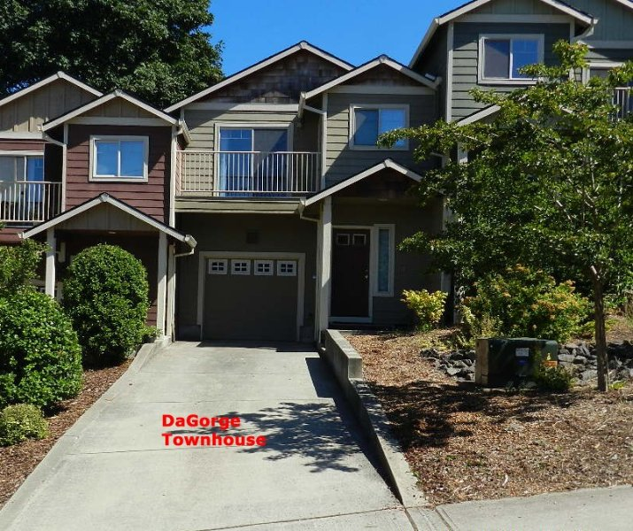 Affordable DaGorge Townhome - Troutdale (NE side Portland. OR)  3 Bed/2.5 Bath, holiday rental in Sandy