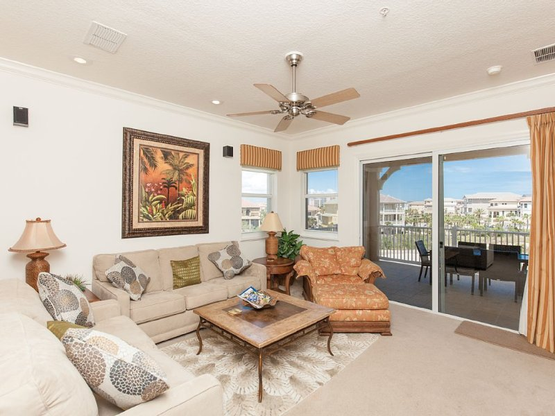Cinnamon Beach End Unit - 341 !   Over 2100 sf with Golf/Ocean Views !, alquiler de vacaciones en Palm Coast