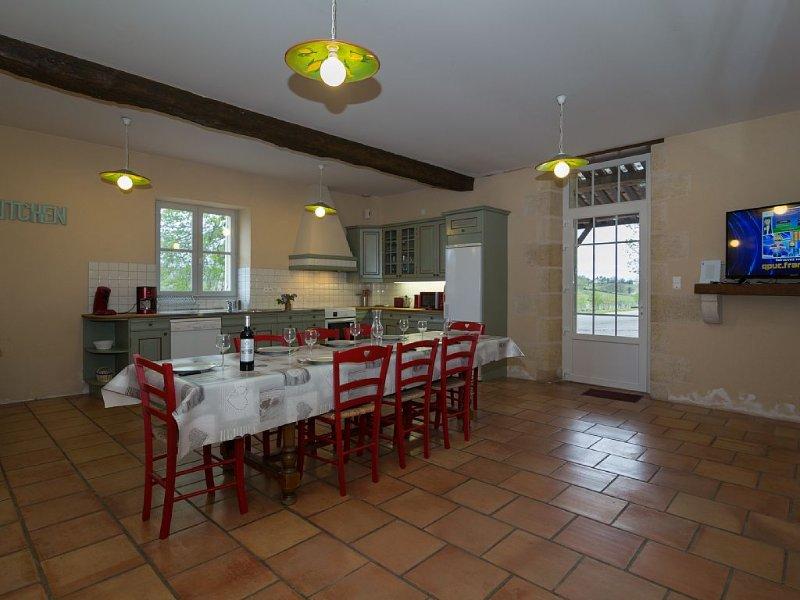 Gîte 11 personnes proche de Bordeaux, holiday rental in Berson