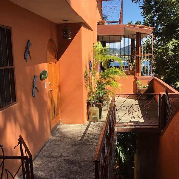 Nice vacation place to relax under the hot sun of zihuatanejo, holiday rental in Zihuatanejo