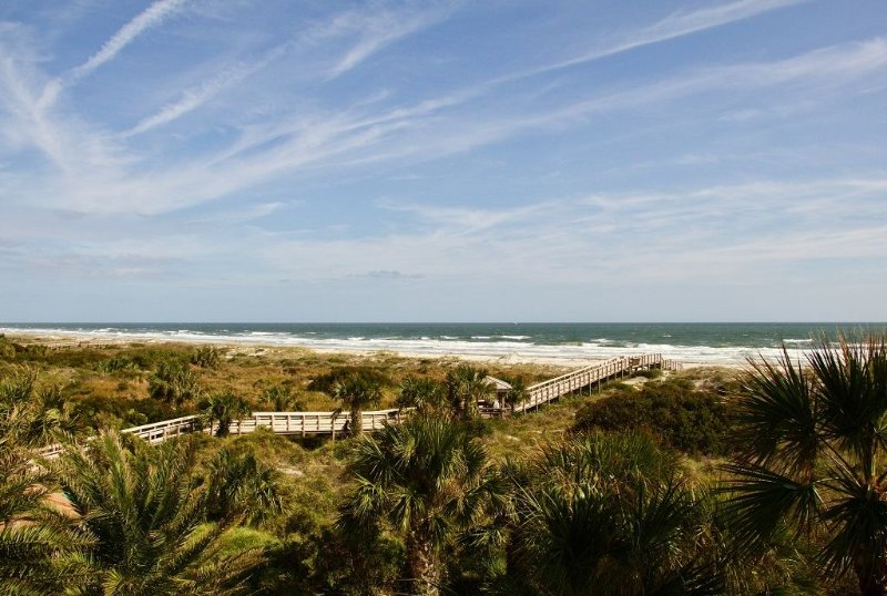 Take your family vacation to the next level in this Gold-rated spacious condo wi, vacation rental in Saint Augustine Beach