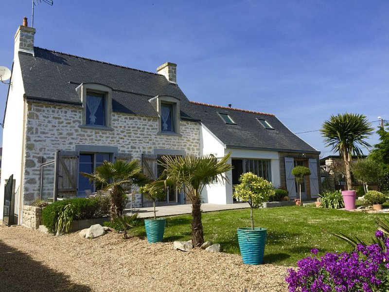 Penmarch, vacation home, lodge near edge of TORCH, surfing, beach, location de vacances à Penmarch