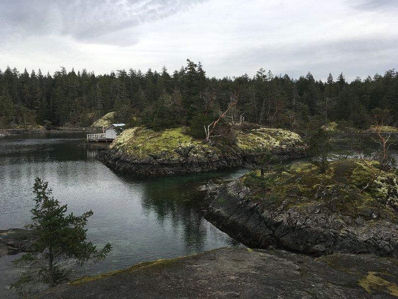 Cove Smugglers à proximité avec de nombreux sentiers de randonnée