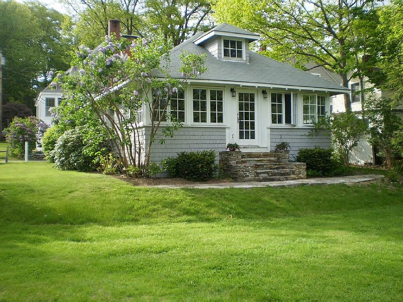 Ocean View Cottage Falmouth Foreside, holiday rental in Long Island