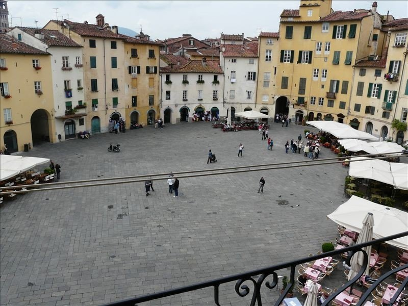 Beautiful and charming Apt  in Sq. Amphitheater,  with Conditioned Air, holiday rental in Lucca