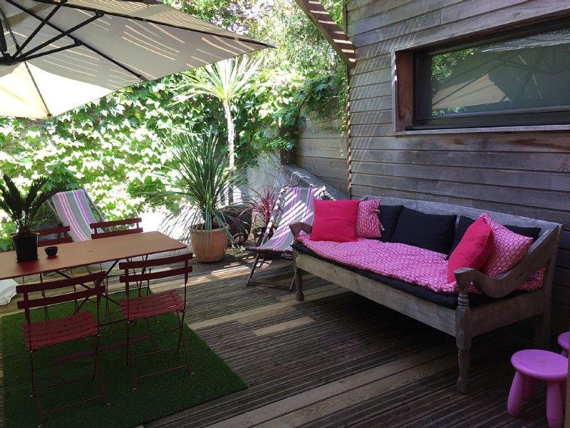 Maison d'architecte en bois, écrin de verdure, plages à pied, vacation rental in Ahetze