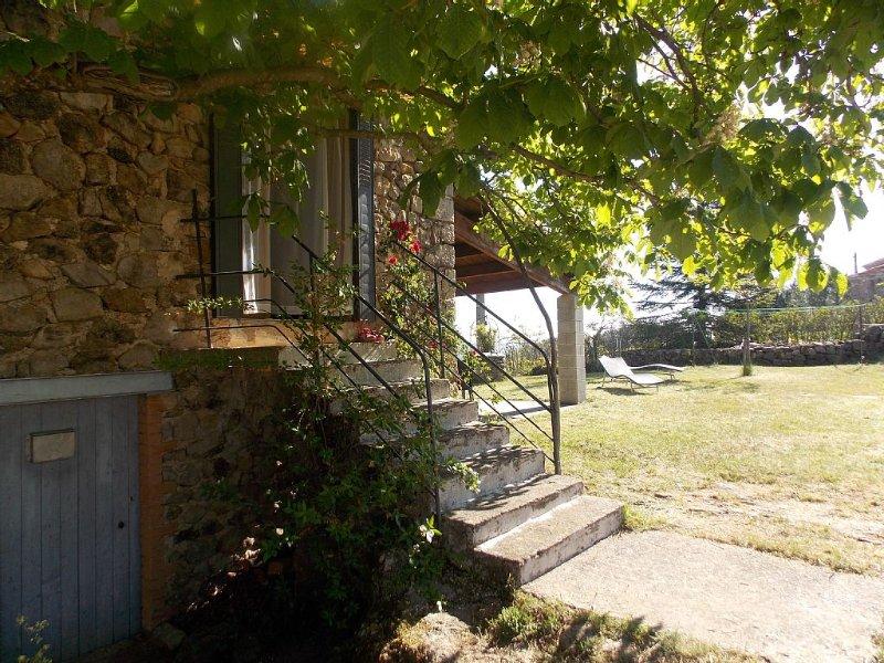 'La magnanerie' chez alice maison typique ardéchoise a lablachére., holiday rental in Beaumont