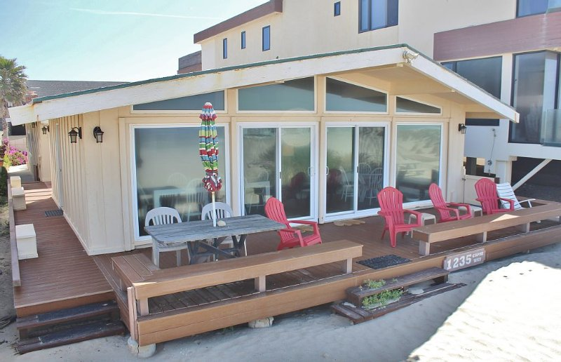 1235C Mandalay Shores Oceanfront Retreat, holiday rental in Oxnard