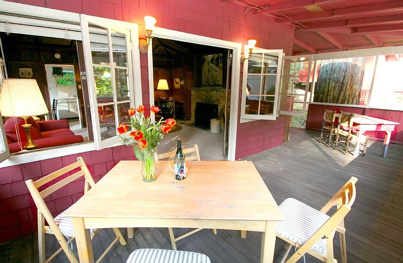 Back in the  up against the Redwoods!, holiday rental in Guerneville