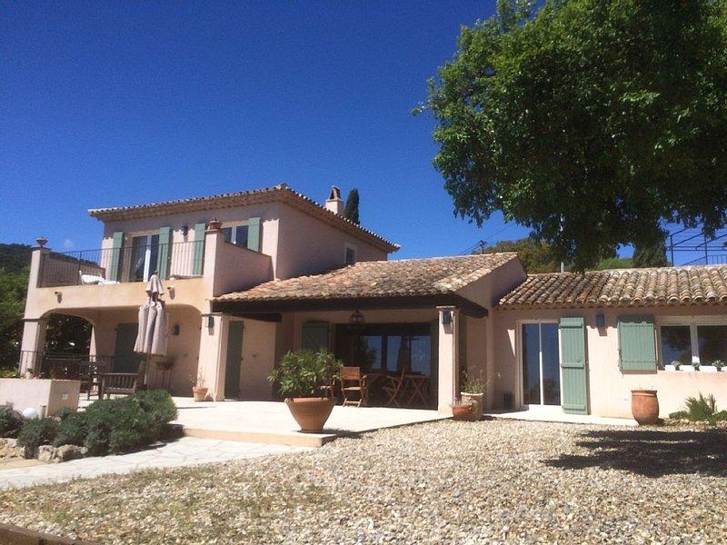 Villa avec piscine privative magnifique vue golf St Tropez, vacation rental in Les Issambres