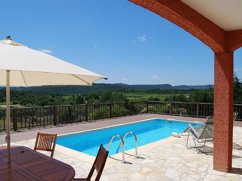 Spacious Air-Conditioned Luxury Villa, Private Pool and Unspoilt Panaramic Views, vacation rental in Saint-Jean-de-la-Blaquiere