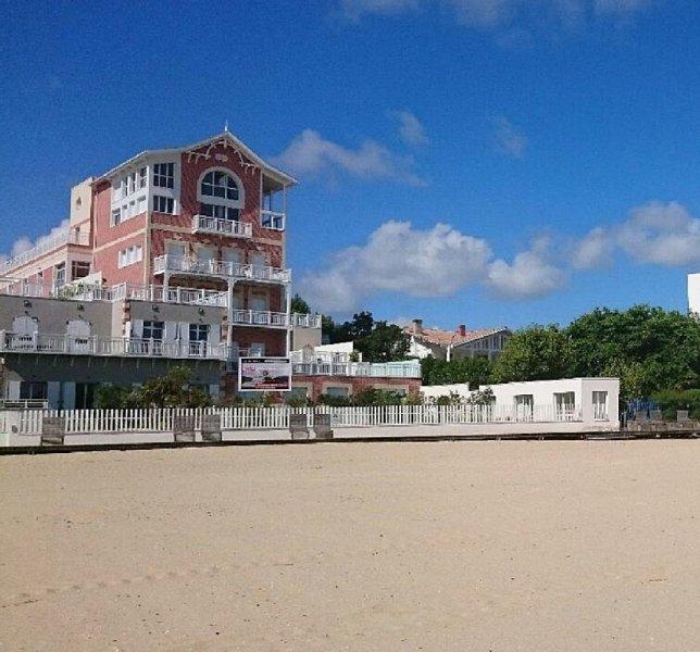 T3 neuf (2016) standing & confort  - 1 ère ligne plage - Arcachon centre ville, location de vacances à Arcachon