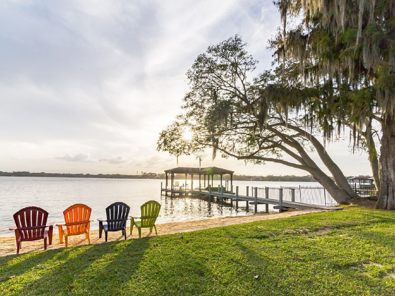 Orlando Luxury Lakefront Ski Home (Family Friendly Estate), vacation rental in Longwood