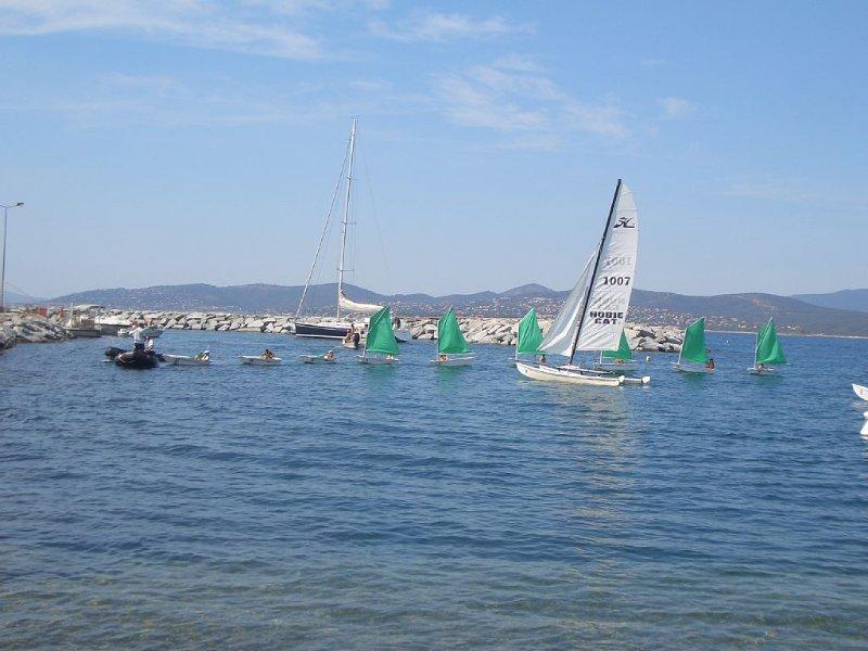 Port et club nautique à 5-10 minutes en voiture
