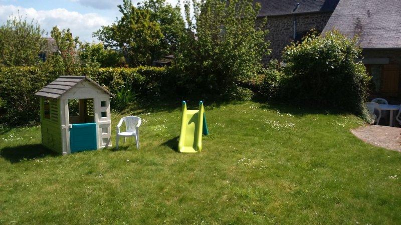 Maison près de la Rance (600 m ) -  idéal pour les enfants, les rando d'été, holiday rental in Saint-Pierre-de-Plesguen