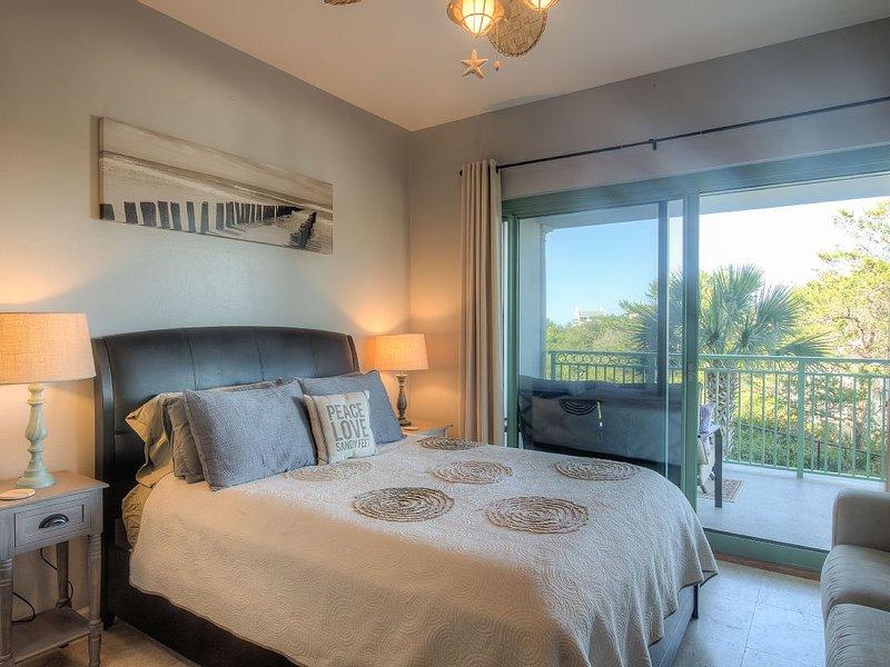 Private corner unit, bigger balcony, Jacuzzi, xtra clean! Walk to Rosemary/Alys!, location de vacances à Seacrest Beach