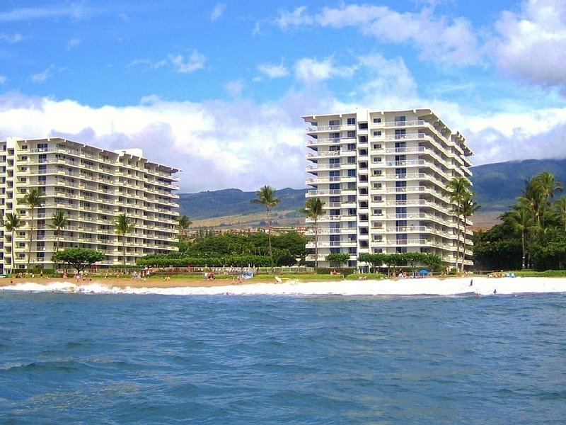 Located directly on Kaanapali Beach~!!!