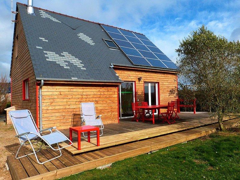 Maison bois à 300m des dunes 6 personnes  grand confort  CARTERET, vacation rental in Surtainville