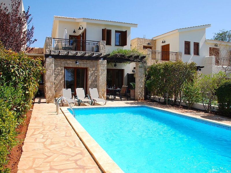 Villa Destu, Aphrodite Hills Resort, Walking Distance To All Facilities, alquiler vacacional en Kouklia