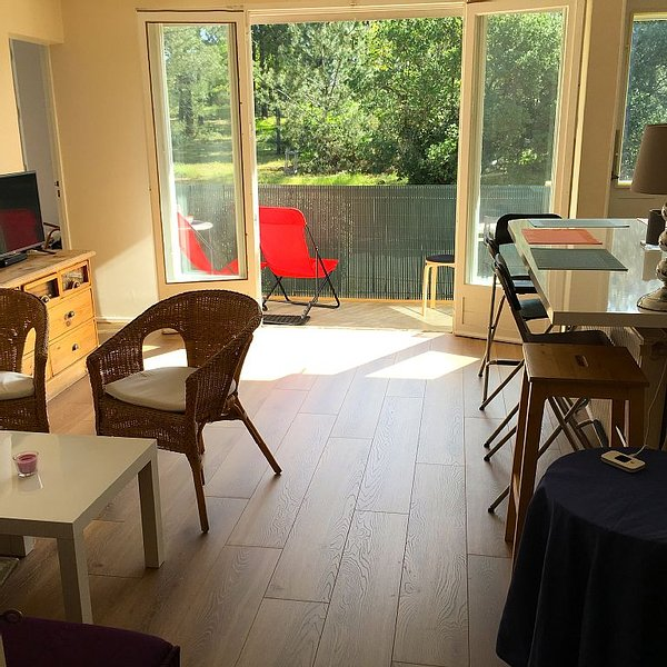 Apartment fully equipped, direct access to downtown, close to beaches D Arcachon, vacation rental in Arcachon