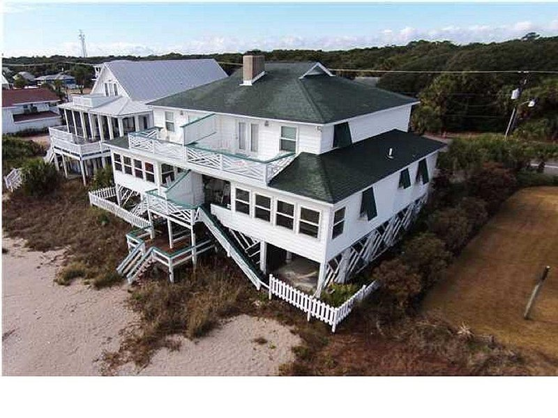 Ocean, sun, and Edislow fun!  �  Plan your fall escape or extended stay today!!, vacation rental in Edisto Island