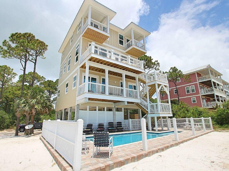 Extraordinary views, Beachfront, Private pool, Elevator, Upscale new build!, holiday rental in Port Saint Joe
