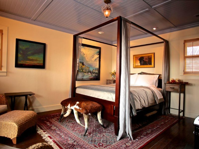 B&B Pendelton Rm ~ enjoy a true western experience with a sophisticated ambianc, vacation rental in Livermore