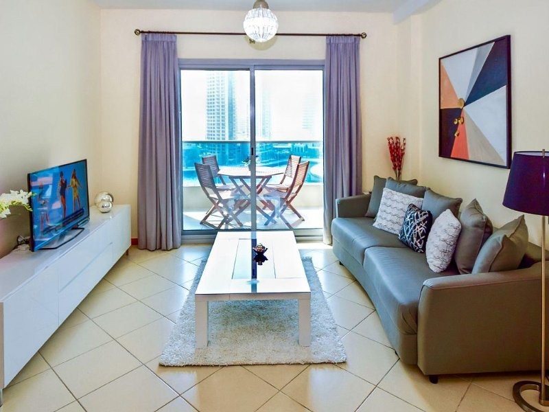 Amazing views of the Marina, Walk to the beach, Near Metro/Tram Station, vacation rental in Dubai