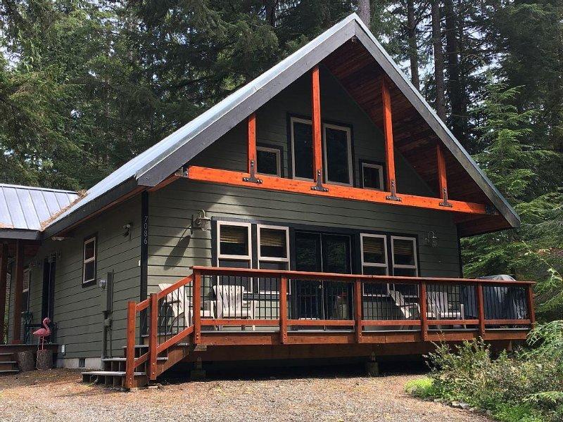 Luxury Cottage In Snowline - Glacier, WA - near Mt Baker - hot tub!, location de vacances à Glacier