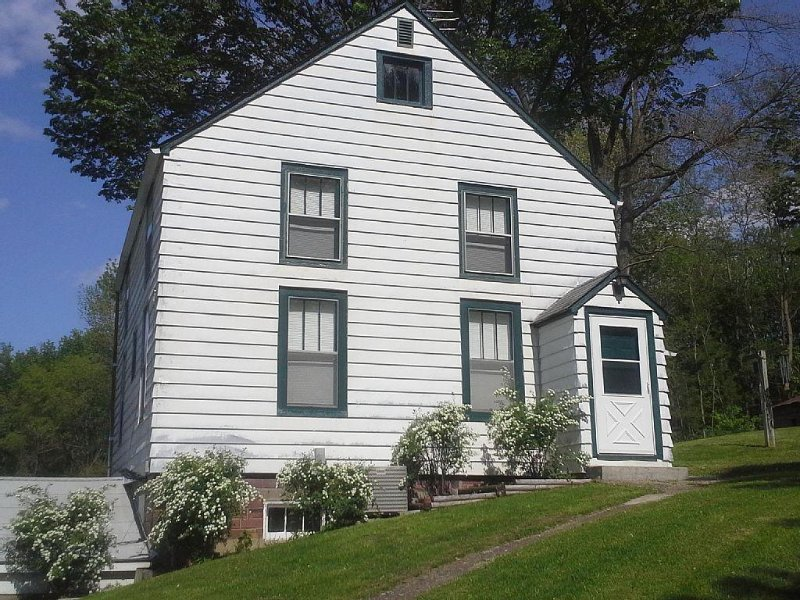 4br Wonderful Farm Home for vacationing, reunions, biking, hunting, fishing, alquiler de vacaciones en Nauvoo