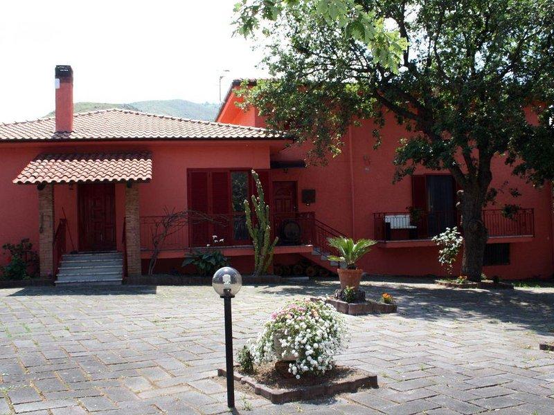 Villa Indipendente a 5 minuti dal mare con piscina per bambini, vakantiewoning in Province of Cosenza