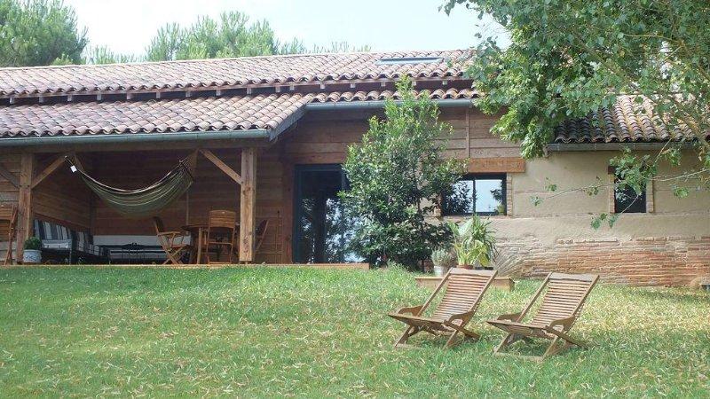 gîte de charme, écologique,avec sauna, piscine, à la campagne, holiday rental in Meauzac
