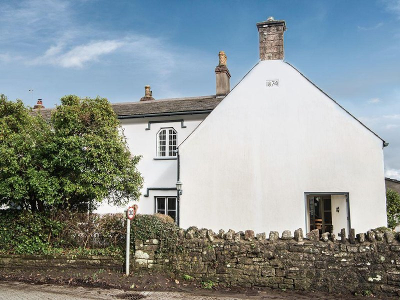 Charming Spacious Open-plan Studio In The Heart Of Monmouthshire – semesterbostad i Chepstow