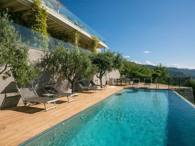 Secluded luxury retreat 10 mins to St Paul de Vence, breathtaking sea views, location de vacances à Alpes Maritimes