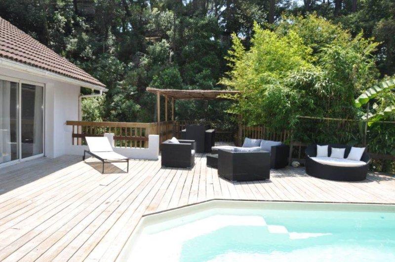 Maison  avec jardin et piscine privative, cuisine d'été, vacation rental in Capbreton