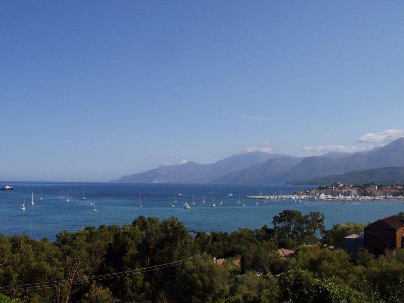 Appartement dans maison indépendante à Pieve (Corse), location de vacances à Pietralba