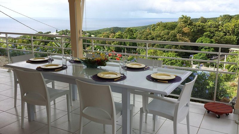 VILLA CANOPUS VUE MER ET MONTAGNE POINTE-NOIRE GUADELOUPE, holiday rental in Basse-Terre Island