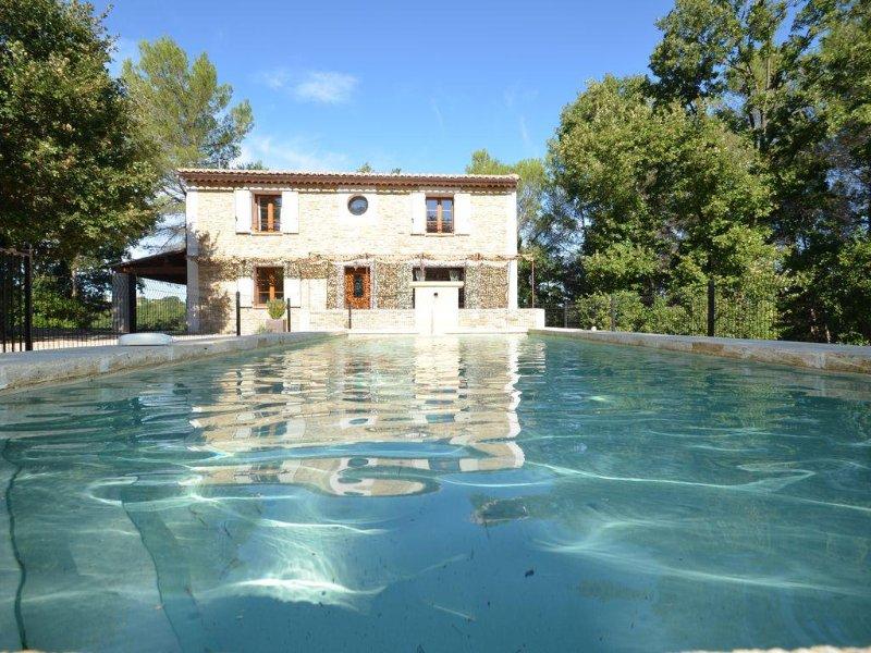 maison en pierre, piscine privée,vue degagee situee  au calme en pleine nature, location de vacances à Gard