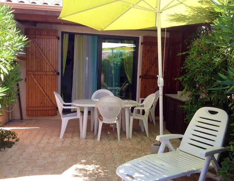 PAVILLON AVEC JARDIN PROCHE DE LA PLAGE - 4 PERSONNES, holiday rental in Gruissan