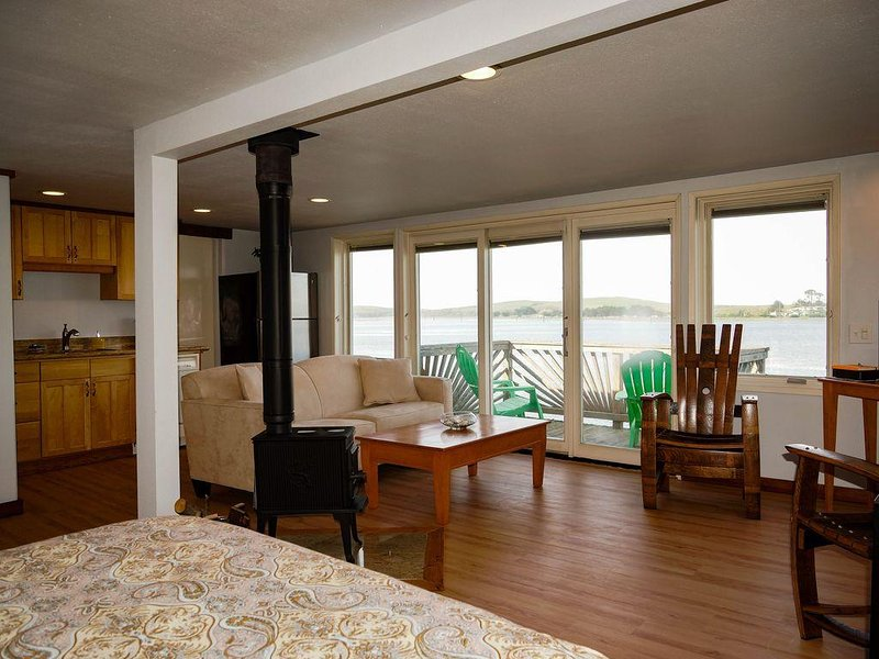 Best View in Bodega Bay - We're  right on the water!, alquiler de vacaciones en Bodega Bay
