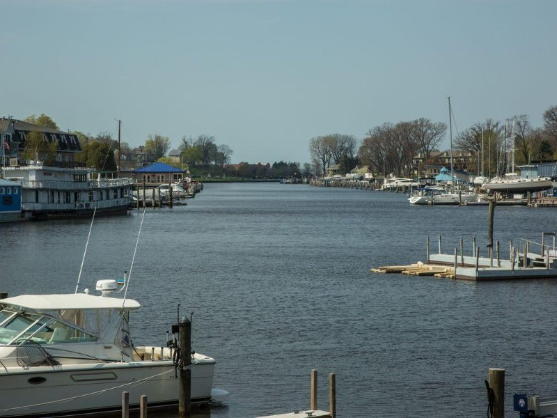 Historic Condo Within Walking Distance To The Beach And Downtown South Haven, location de vacances à South Haven