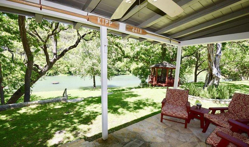 Kipp Cottage-Exclusive Private Guadalupe Riverfront, location de vacances à Hunt