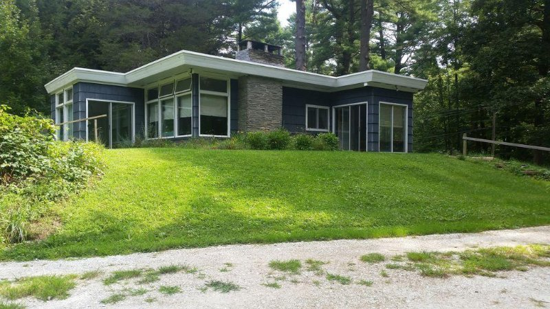 North Canaan's Quiet & Cozy Home, holiday rental in Sheffield