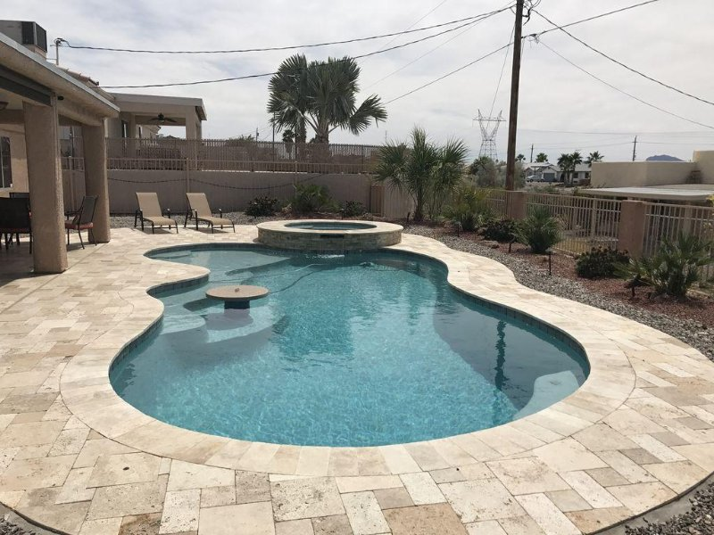 Beautiful Lake Havasu Pool/Spa Home, casa vacanza a Lake Havasu City