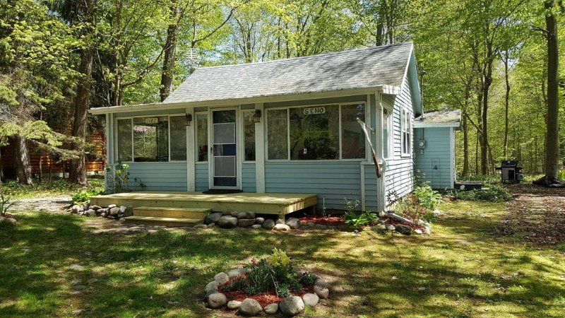 Little Blue is a family friendly, quintessential cottage., vacation rental in Glenn
