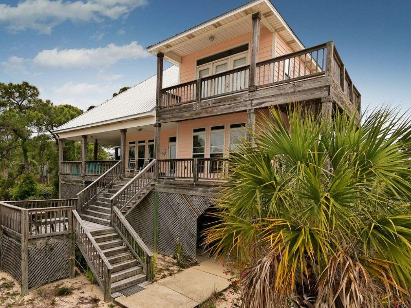 The Porches Desoto Landing Pool, tennis, Porches, Views, Sunsets!, holiday rental in Dauphin Island