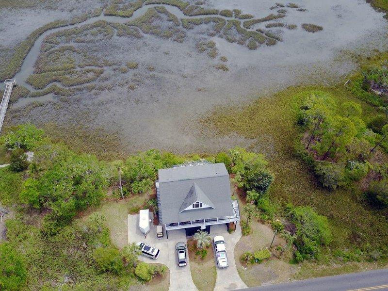 Just Us - Beautiful Marsh Views, Easy Beach Access, 4BR/3.5BA, aluguéis de temporada em Edisto Beach