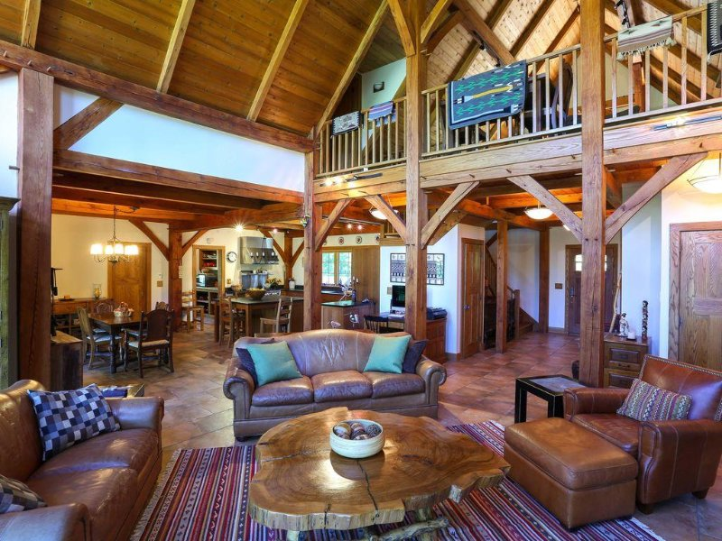 Private rural Timberframe House on 5 wooded acres in Mountainville, NY., alquiler de vacaciones en Monroe