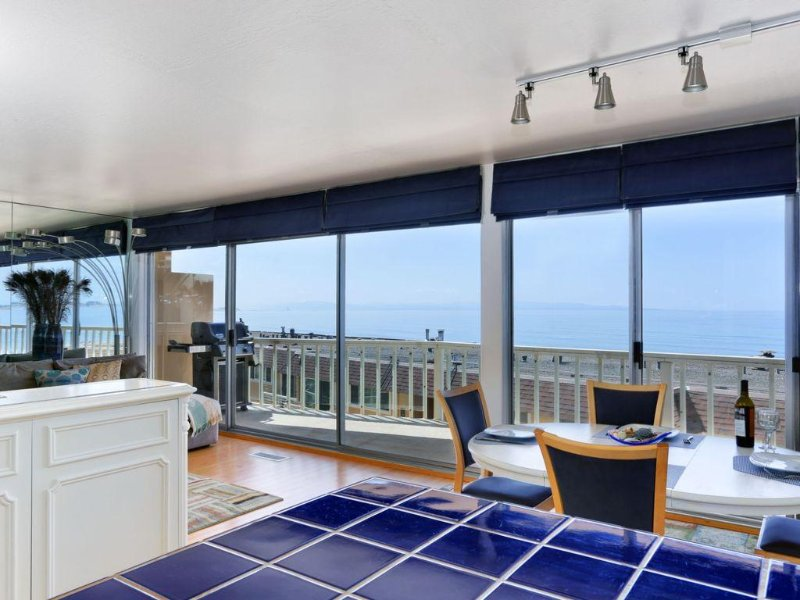 Ocean View condo in Aptos, 1 block to Sand, 2BR/2BA, Pool, Deck, Linens Incl'd, location de vacances à La Selva Beach