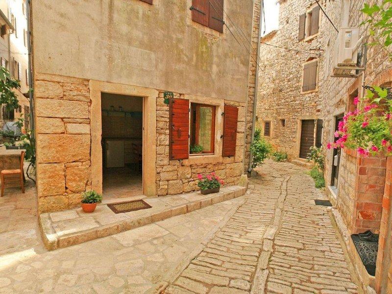 Istrisches Steinhaus in der Altstadt von Bale, vacation rental in Bale